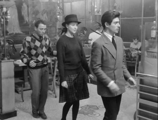 bande-a-part-band-of-outsiders-1964-jean-luc-godard-avi_snapshot_00-49-51_2011-09-22_05-59-26